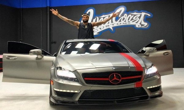 Odell Beckhem Jr. Net Worth, Salary Earnings, Brand Endorsement Fees, Private Investments, House, Car Collection